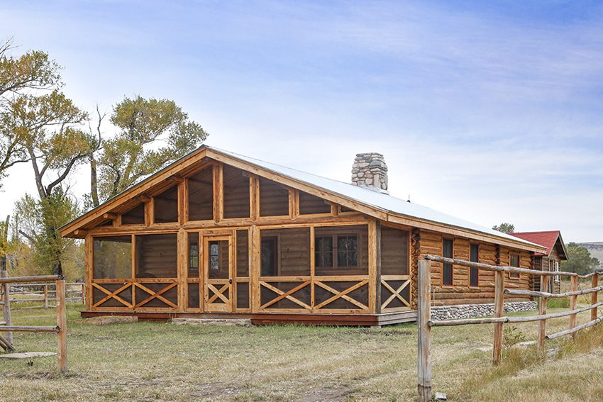 Custom timber frame homes gallery vintage homes and millwork for Timber frame screened porch